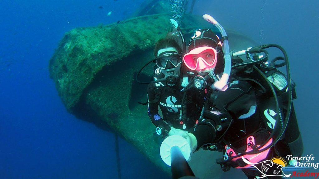 PADI Wreck diving in Tenerife